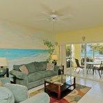 Photo de The Grandview Condos Cayman Islands