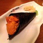 Salmon and Uni (generous amount) Temaki