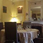 Salon d'hiver où on se sent bien pour un repas romantique