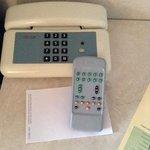 telephone et telecommande 70s