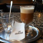 O capucino do Cafe Schwarzenberg