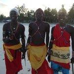 nos amis Samburu sur la plage