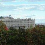 Вид отеля из массандровского парка