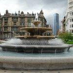 Plaza Moyua 中央の噴水