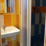 detail of en-suite bathrom