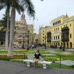 vista do hotel de frente na praça