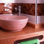 Baños modernos, equipados con mapara