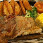 Sizzling meal - garlic sauce fish/chicken/pork ★★★