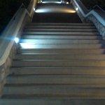 schody prowadzace na plaże
