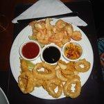 Camarones y Calamares en 3 salsas