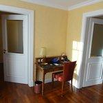 Schreibtischecke in Suite 144