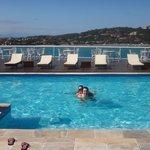 A piscina é maravilhosa!
