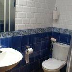 Baño habitacion 8