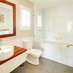 Seashells Yallingup Studio Bathroom