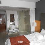 Dusch acrylglas mitten im Zimmer