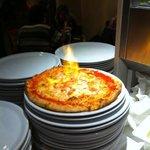 Pizza Flambé: bell'aspetto, ottimi ingredienti!