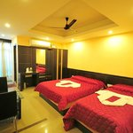 DELUXE A/C 3bed ROOM