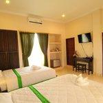 Studio/deluxe rooms (room 2 & 3).