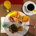 """Petit-déjeuner buffet au restaurant """"Bonthi"""", excellent et copieux"""
