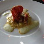 omard rôti au beurre salé, risotto des îles, pomme granny smith, émulsion lait de coco/curry et