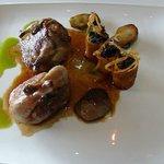 Caille fermière de Challans rôtie, cannelloni de courge au beurre de noix