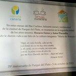Placa conmemorativa ubicada en Bar Carlitos de Parque del Plata - Uruguay