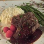 Colorado Elk with chipotle/raspberry sauce and mashed potatoes and green beans