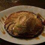 Tarte fine aux pommes avec sa glace au caramel beurre salé