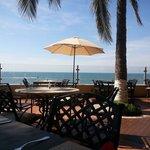 El palm terrace es la mejor opción por la mañana para el desayuno, tiene una gran vista.