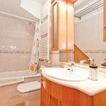 4B bath room
