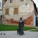 Sculpture of lady with a parasol