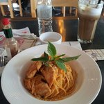 mocha offee and spaghetti with chicken breast.