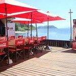 deck junto al lago