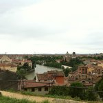 Panorama da una stradina per Castel San Pietro