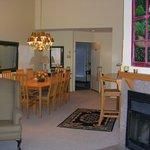 3 bedroom Deluxe living & dining area