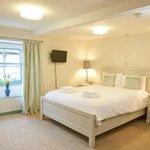 Millgate Double en suite. King size bed (85799232)