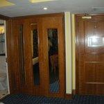 stanza 141 armadio con asse da stiro