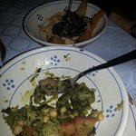 """Pure' di fave e verdure    vs   """"cecamariti"""" (legumi con verdure e pane soffritto)"""
