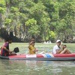 En canoa por la bahia de Phnag Nga