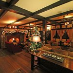 The Lakehouse Hotel lounge