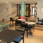 Réception-salon-salle des pts déjeuners
