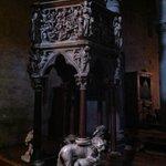 Sant'Andrea a Pistoia, pulpito