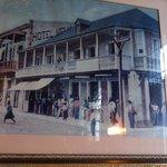 El negocio comenzo en 1895 en donde hoy queda un banco.