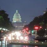 El Capitolio de noche