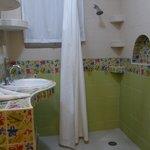 bathroom in 1-bedroom apt