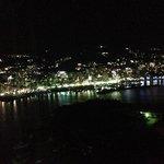夜、熱海市街地の夜景