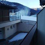 La vista della Sylvester dal balcone della camera