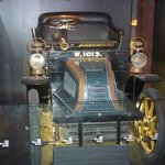 Antique motor vehicle