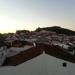 Vistas del amanecer en Aracena desde la cama de la habitación