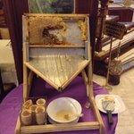 Мед в сотах на завтрак в отеле